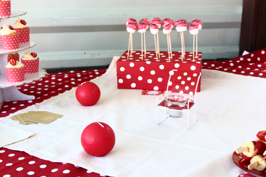 décoration sweet table rouge à pois